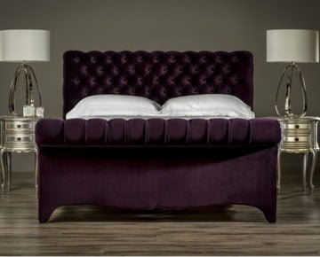Sleigh bed with mattress